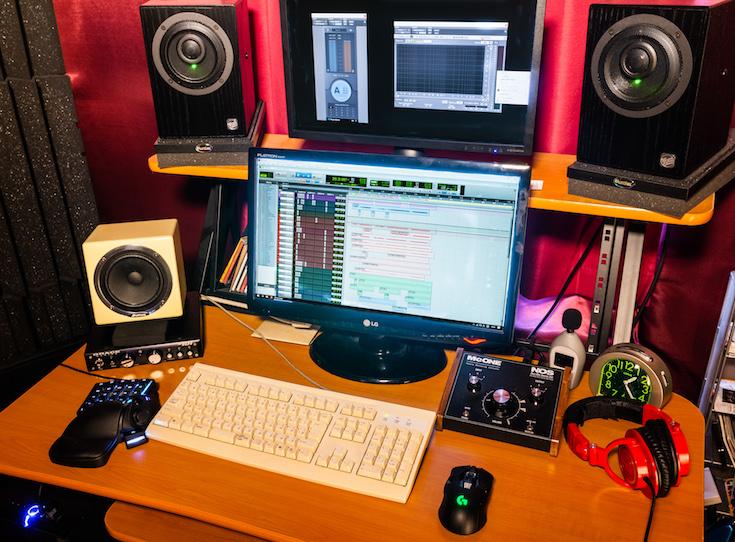 StudioDesk1